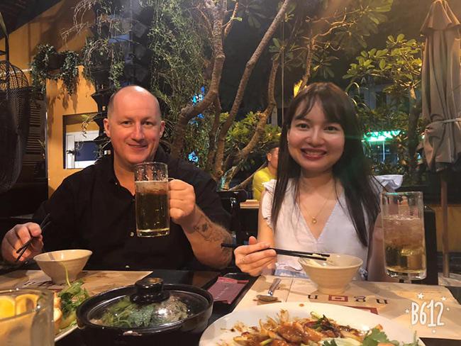 Chỉ gặp 2 lần, cô lễ tân khách sạn người Việt tán được luôn 'Soái Ca' Mỹ - Ảnh 2