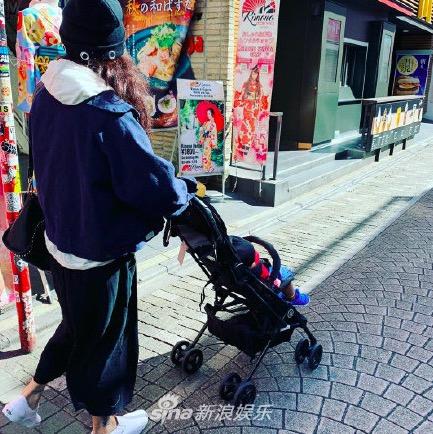 Con trai thứ 3 của Trương Bá Chi được khen mũm mĩm, đáng yêu như búp bê - Ảnh 3