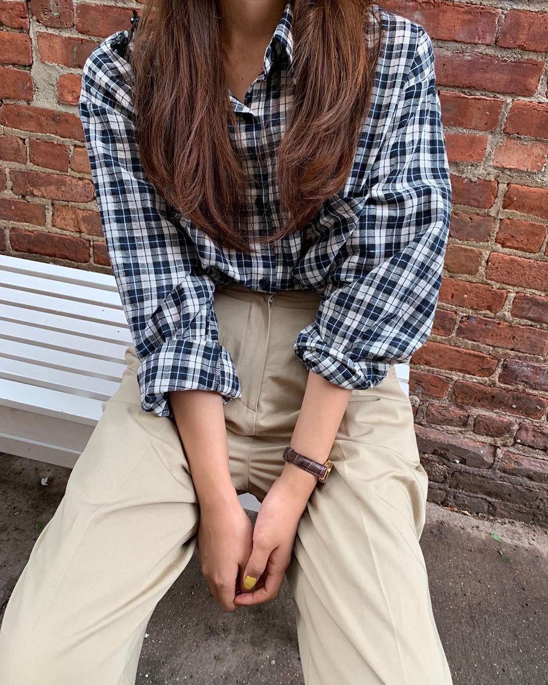 Khi bị đồng nghiệp chê mặc xấu: Nàng công sở đừng mặc kệ mà hãy cải tổ phong cách với 8 items sau đây - Ảnh 10