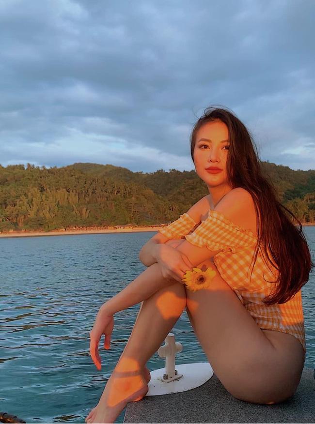 Phương Khánh diện bikini khoe đường cong nuột nà trước ngày trao lại vương miện Hoa hậu Trái đất - Ảnh 1