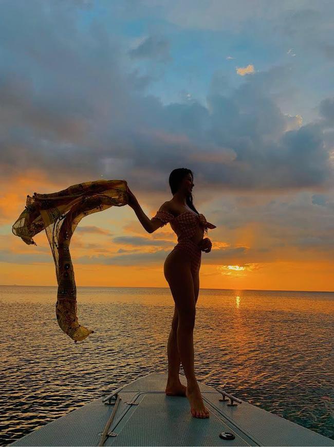 Phương Khánh diện bikini khoe đường cong nuột nà trước ngày trao lại vương miện Hoa hậu Trái đất - Ảnh 5