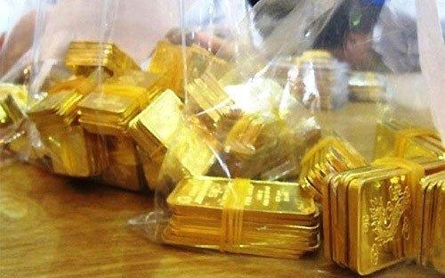 Giá vàng hôm nay 9/11: Vội vàng bán tháo, vàng tụt dốc nhanh - Ảnh 1