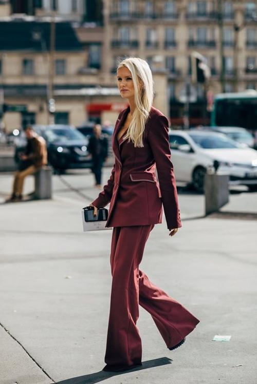 10 cách mặc suit công sở mới mẻ dành cho phái đẹp - Ảnh 1