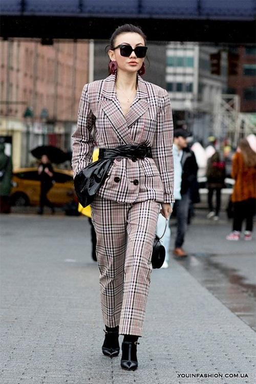 10 cách mặc suit công sở mới mẻ dành cho phái đẹp - Ảnh 3