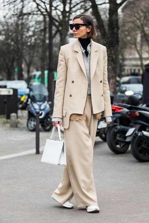 10 cách mặc suit công sở mới mẻ dành cho phái đẹp - Ảnh 6