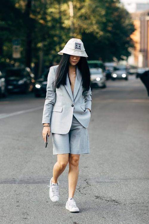 10 cách mặc suit công sở mới mẻ dành cho phái đẹp - Ảnh 9