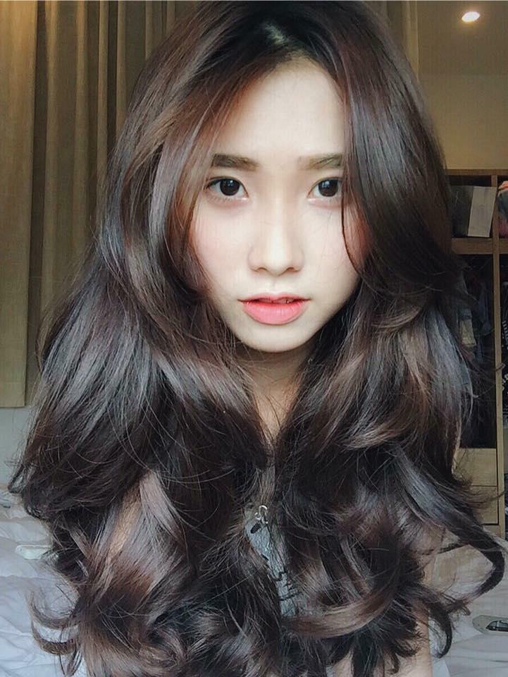 Hơn 3 tuần nữa là đến Tết, phụ nữ hãy 'lên đời' nhan sắc ngay với 9 kiểu tóc uốn xinh hết nấc này - Ảnh 1