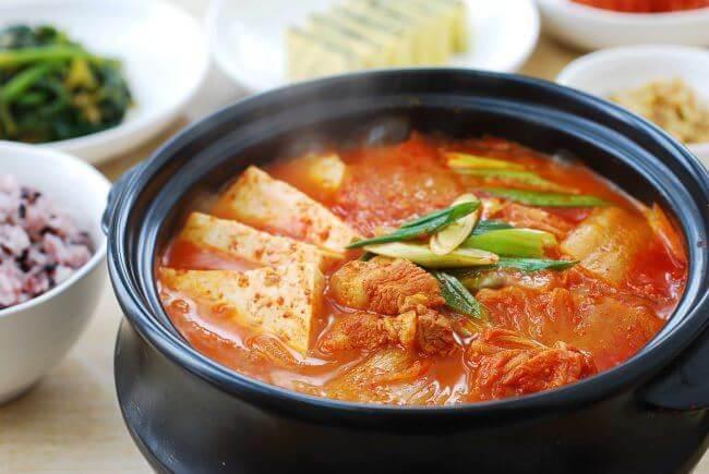 Công thức nấu canh kim chi chuẩn vị Hàn cho mùa đông không lạnh - Ảnh 4