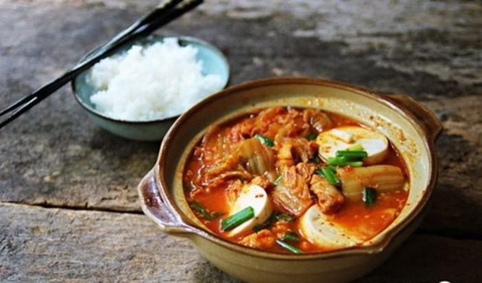 Công thức nấu canh kim chi chuẩn vị Hàn cho mùa đông không lạnh - Ảnh 3