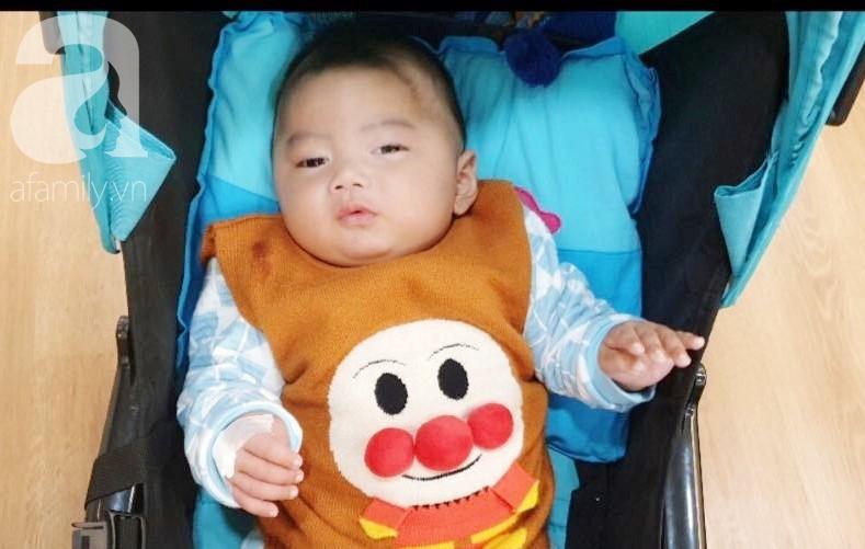Hình ảnh mới nhất của bé Trọng Em 9 tháng tuổi bị mẹ bỏ rơi khi phát hiện bé bị bại não - Ảnh 4