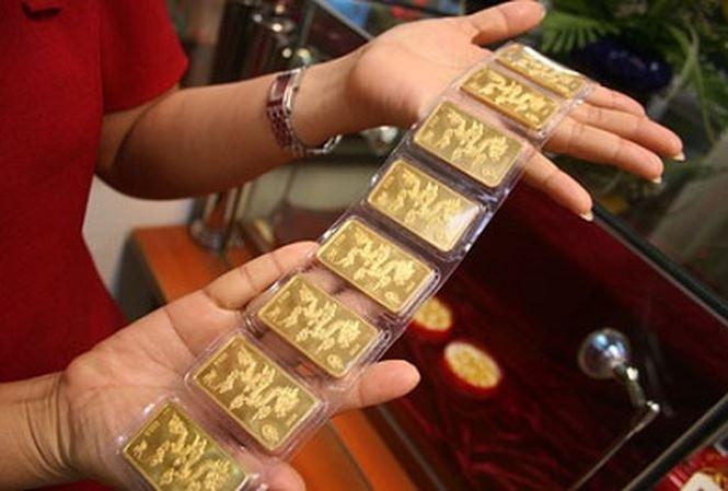 Mua vàng trong ngày vía thần tài là một truyền thống lấy may theo phong thủy