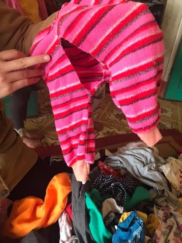 Nhức mắt với áo ngực chảy nhão, quần chíp thủng lỗ chỗ được quyên góp ủng hộ cho trẻ em vùng cao - Ảnh 6