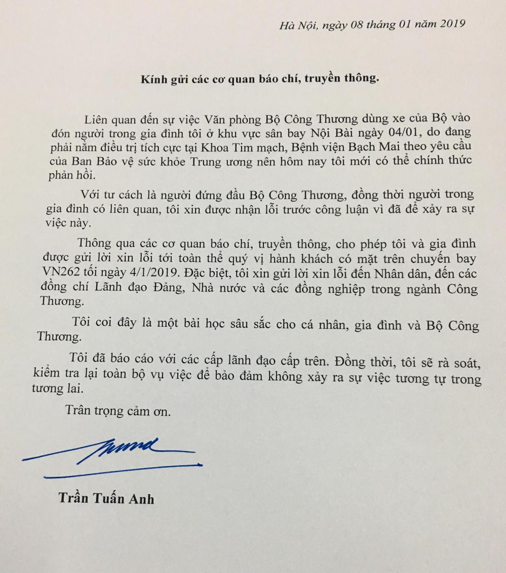 Xe biển xanh đón người nhà tại cầu thang máy bay: Bộ trưởng Trần Tuấn Anh xin lỗi nhân dân - Ảnh 1