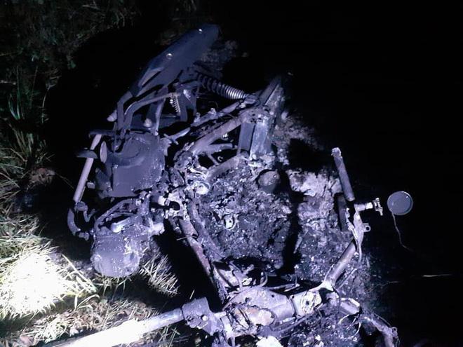 Hiệp sĩ ở làng Đại học TP.HCM bị 10 thanh niên rượt chém, đốt xe, đốt luôn cả chỗ ở - Ảnh 2
