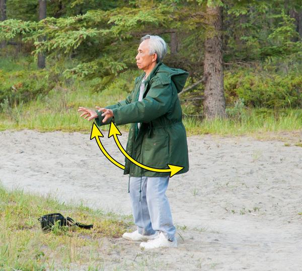 6 động tác khí công giúp chống lão hóa toàn diện - Ảnh 2