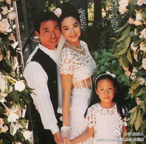 Dân tình ngã ngửa khi Đông Phương Bất Bại phủ nhận ly hôn, lấy 6000 tỷ tiền tài sản của đại gia sau nửa năm ầm ĩ - Ảnh 1