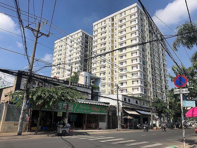 Ngân hàng siết nợ cao ốc 'dính' loạt sai phạm ở Sài Gòn - Ảnh 1