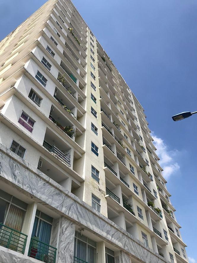 Ngân hàng siết nợ cao ốc 'dính' loạt sai phạm ở Sài Gòn - Ảnh 2