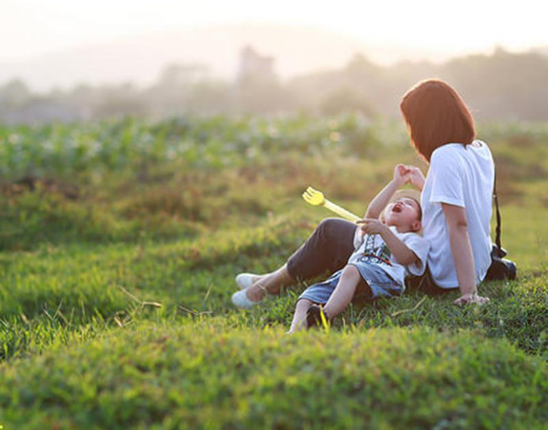 Ngày 8/3 của mẹ đơn thân: Đừng nhìn người khác nhận hoa mà tủi thân, hãy tận hưởng niềm vui bên con - Ảnh 3