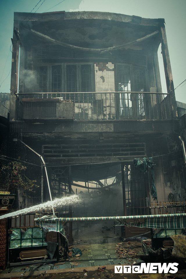 Hỏa hoạn ở TP Mỹ Tho: Hỗ trợ 7 gia đình có nhà bị cháy - Ảnh 1
