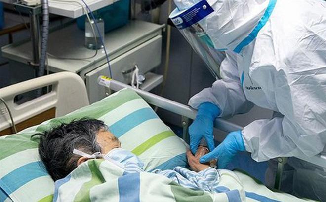 Bác sĩ Trương Hữu Khanh: Dịch của Việt Nam đang bước vào giai đoạn khác, ít ca bệnh nhưng nguy hiểm hơn - Ảnh 1