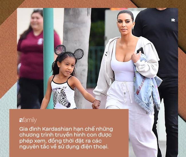 Dù bị ghét vì tai tiếng và chiêu trò bẩn nhưng trong cách nuôi dạy con, không ít người phải gật gù tán dương gia đình Kardashian - Ảnh 6