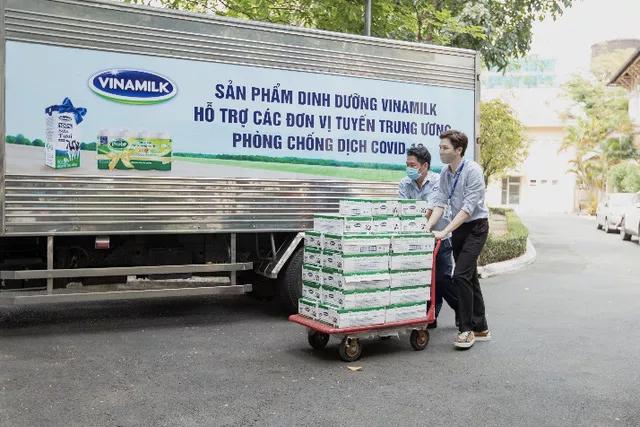 Vinamilk ủng hộ gần 15 tỷ đồng để tiếp sức cho các đơn vị tuyến đầu trên cả nước chống dịch - Ảnh 5