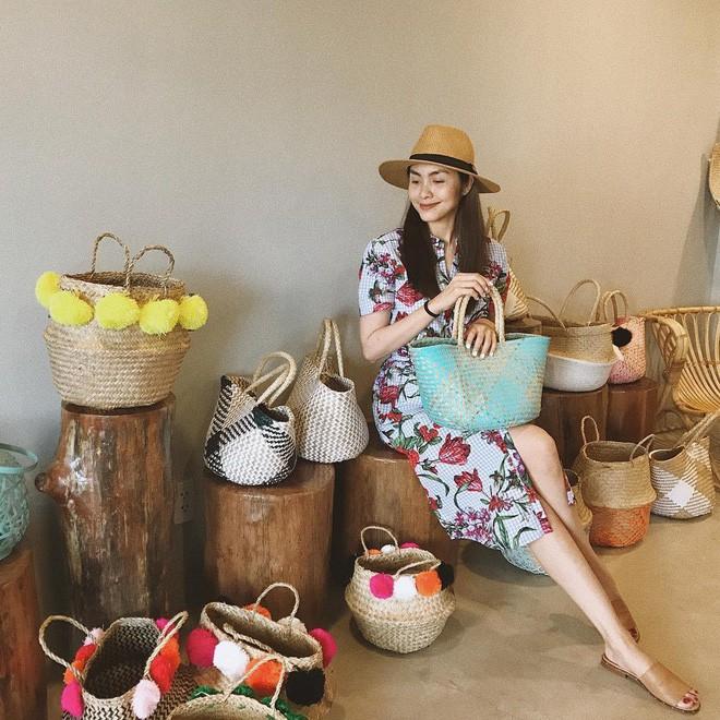 Học sao Việt cách chọn và kết hợp mũ cói sao cho thật duyên dáng khi diện cùng trang phục hè - Ảnh 11