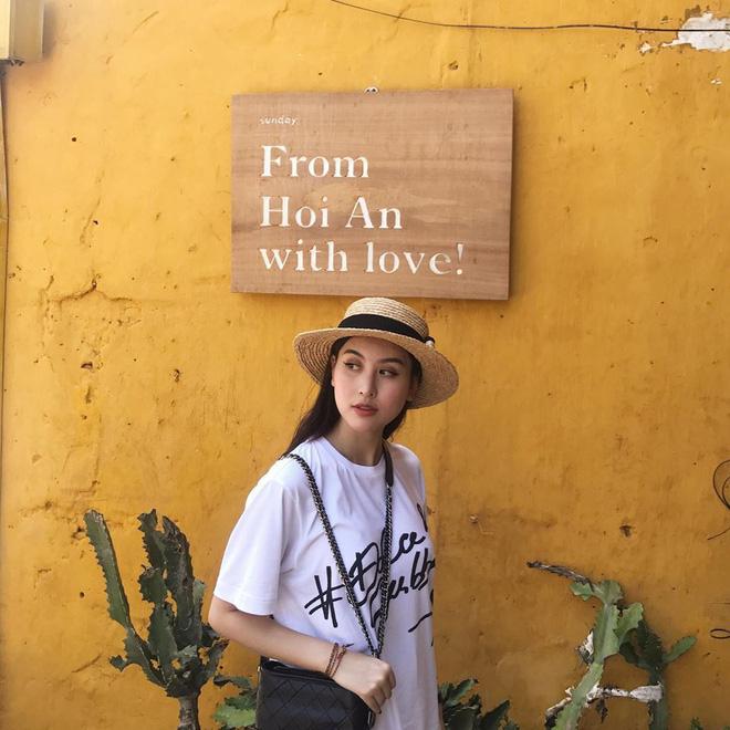 Học sao Việt cách chọn và kết hợp mũ cói sao cho thật duyên dáng khi diện cùng trang phục hè - Ảnh 4