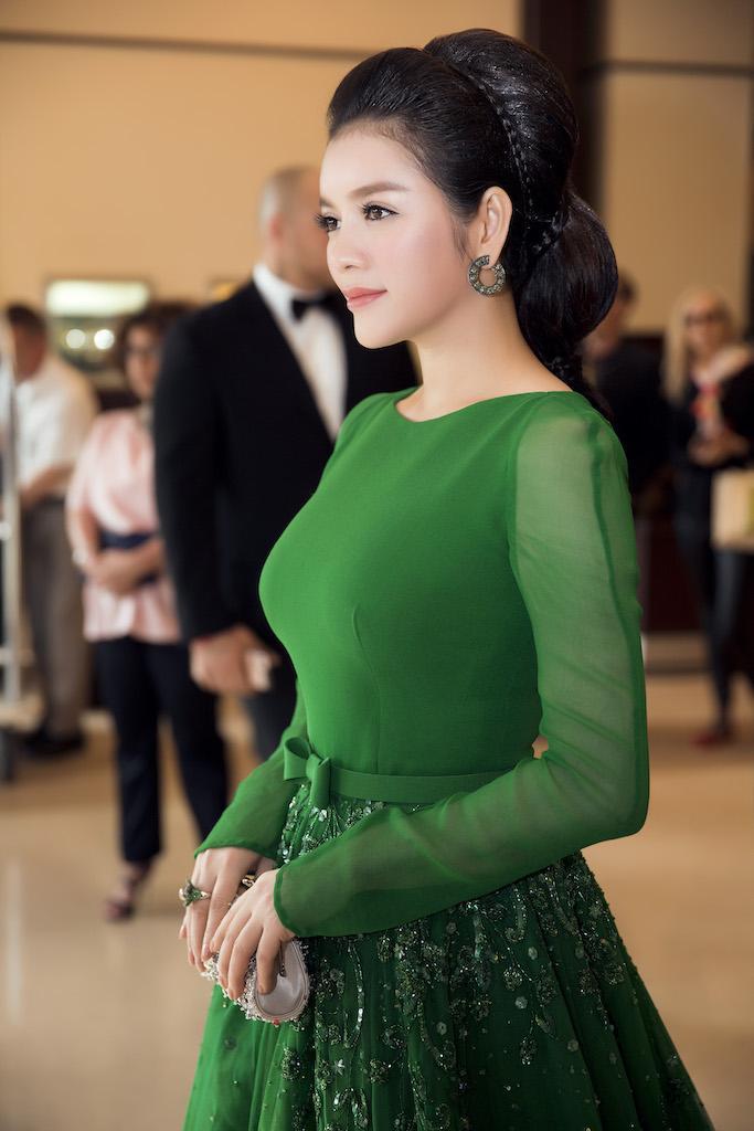 'Mạnh miệng' tặng 10 tỷ cho U40 đẹp như mình, Lâm Khánh Chi chắc chưa biết 3 mỹ nhân này - Ảnh 9