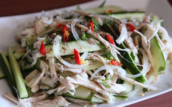 Cách làm gỏi gà với hành tây thơm ngon, thịt ngọt, the the của hành - Ảnh 8