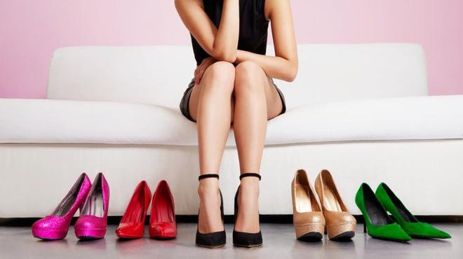Những nguyên do bất ngờ khiến phái nữ không thể 'lên đỉnh', trong đó có cả việc… đi giày cao gót - Ảnh 1
