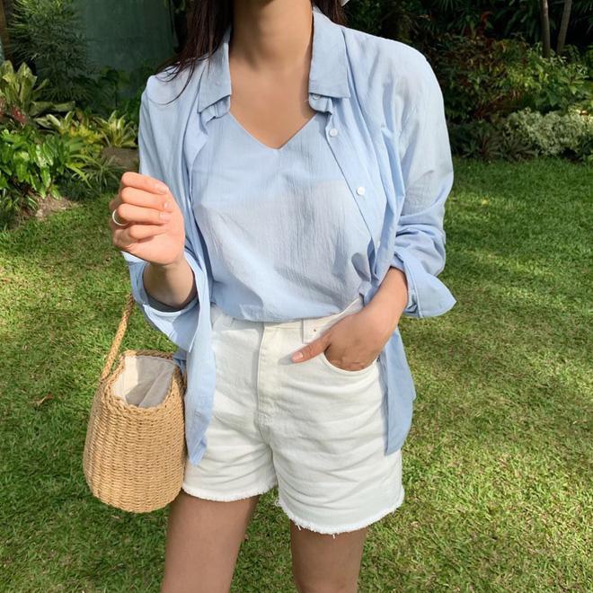 Như một thói quen: Ngày nắng nóng là chị em thi nhau lên đồ với 4 kiểu quần shorts xinh xắn, trendy này - Ảnh 10