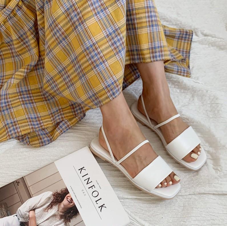 Tạm quên giày cao gót đi, dáng bạn vẫn sẽ cao ráo và phong cách thì đậm chất công sở với 4 kiểu giày bệt này - Ảnh 13