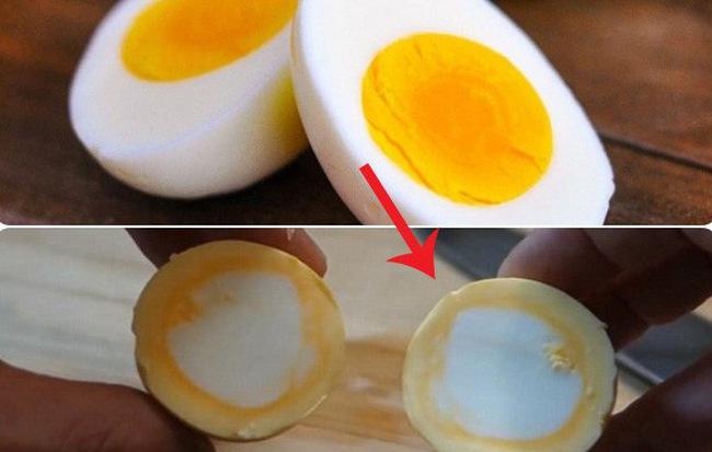 Trứng luộc toàn lòng đỏ - tưởng bất khả thi mà dễ không tưởng với mẹo vặt từ đầu bếp Nhật - Ảnh 1