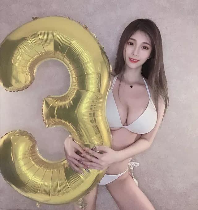Nhá hàng hình selfie trong siêu thị, nàng hot girl gây sốc cộng đồng mạng, trang cá nhân đã có hơn 3 triệu lượt follow - Ảnh 4