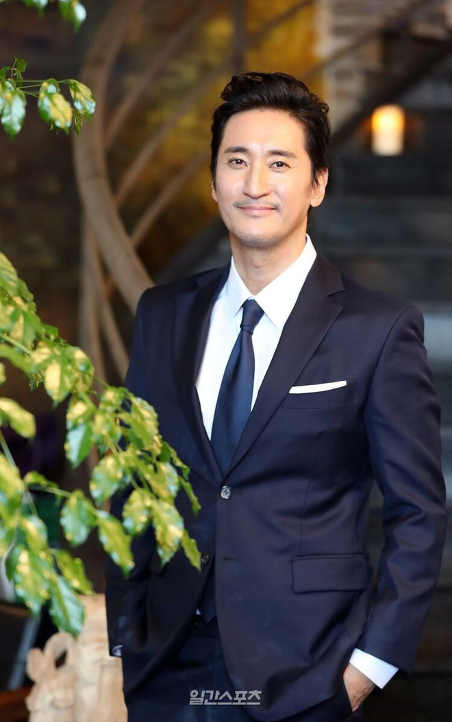 Nóng nhất Naver hôm nay: Nam tài tử 'Nấc Thang Lên Thiên Đường' Shin Hyun Joon bị tố ngược đãi, bóc lột quản lý 13 năm - Ảnh 1
