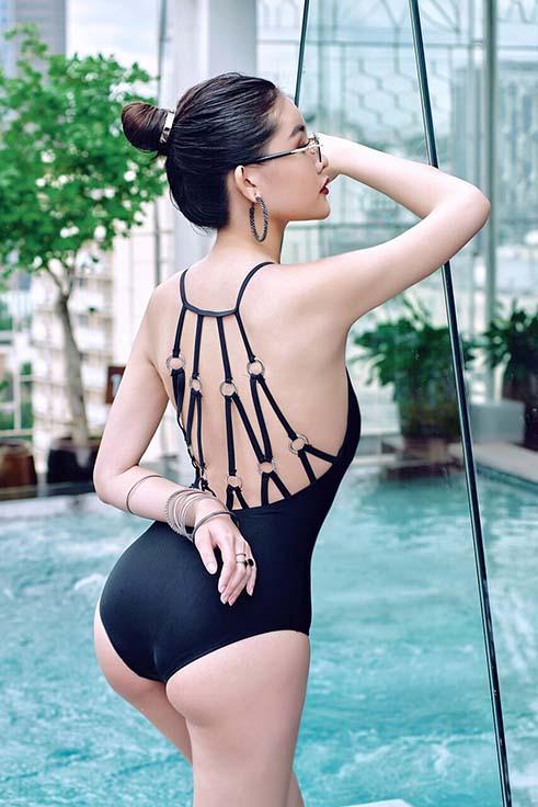 Lê Âu Ngân Anh diện bikini khoe vòng 3 nhức mắt, 'lột xác' đến mức khó nhận ra - Ảnh 2