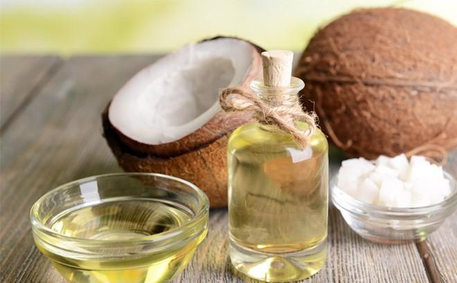 Nhiễm trùng nấm âm đạo: Có nên dùng dầu dừa để điều trị không? - Ảnh 1