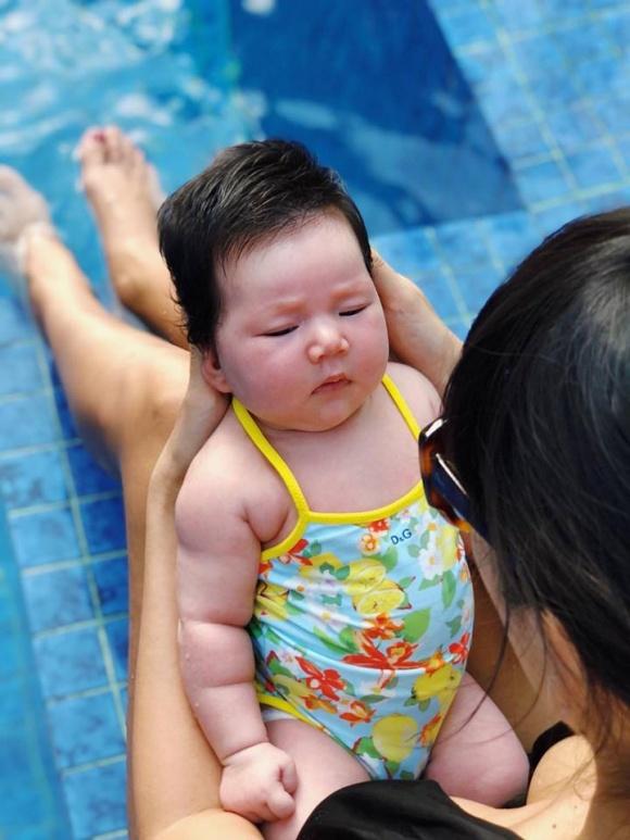 Vợ chồng Hà Anh đưa con hơn 1 tháng tuổi ra Hà Nội thăm gia đình sau chuyến du lịch Đà Nẵng - Ảnh 2