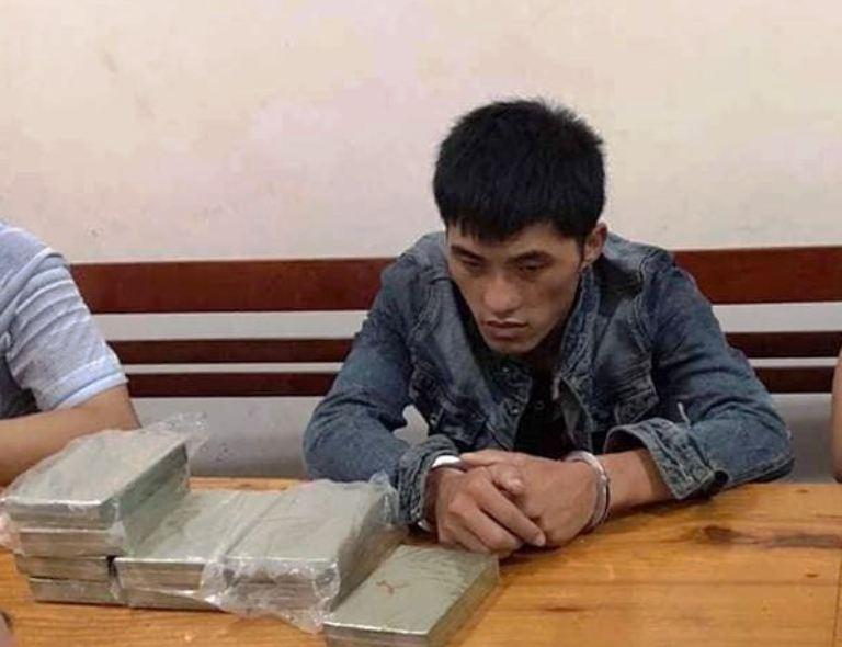 Bắt giữ người Lào mang 10 bánh heroin vào Việt Nam - Ảnh 1