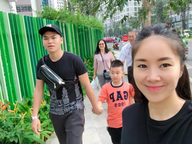 Với hình ảnh này, Lê Phương vô tình 'bóc trần' quan hệ thật giữa Trung Kiên và bố mẹ vợ - Ảnh 3