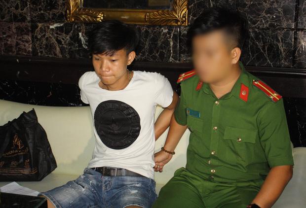 Vừa ra tù, thanh niên 19 tuổi mang 30 triệu mua ma túy đãi sinh nhật bạn trong quán karaoke - Ảnh 1