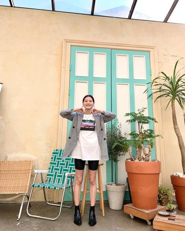 Sao Hàn mặc blazer: 5 công thức thường xuyên được sử dụng để diện thật trẻ trung chiếc áo đứng đắn này - Ảnh 1