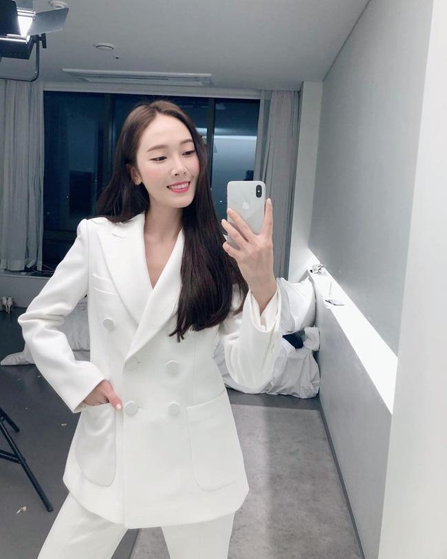 Sao Hàn mặc blazer: 5 công thức thường xuyên được sử dụng để diện thật trẻ trung chiếc áo đứng đắn này - Ảnh 11