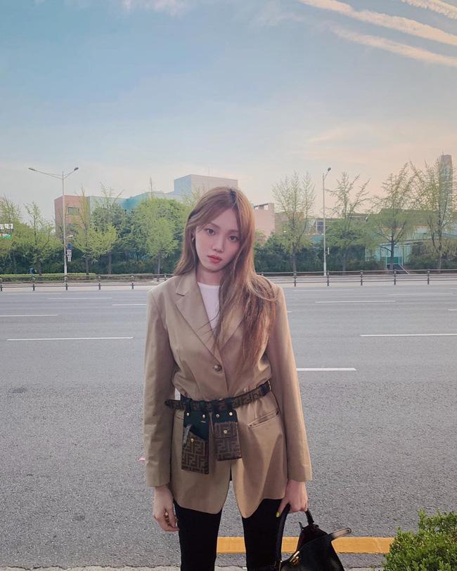Sao Hàn mặc blazer: 5 công thức thường xuyên được sử dụng để diện thật trẻ trung chiếc áo đứng đắn này - Ảnh 16