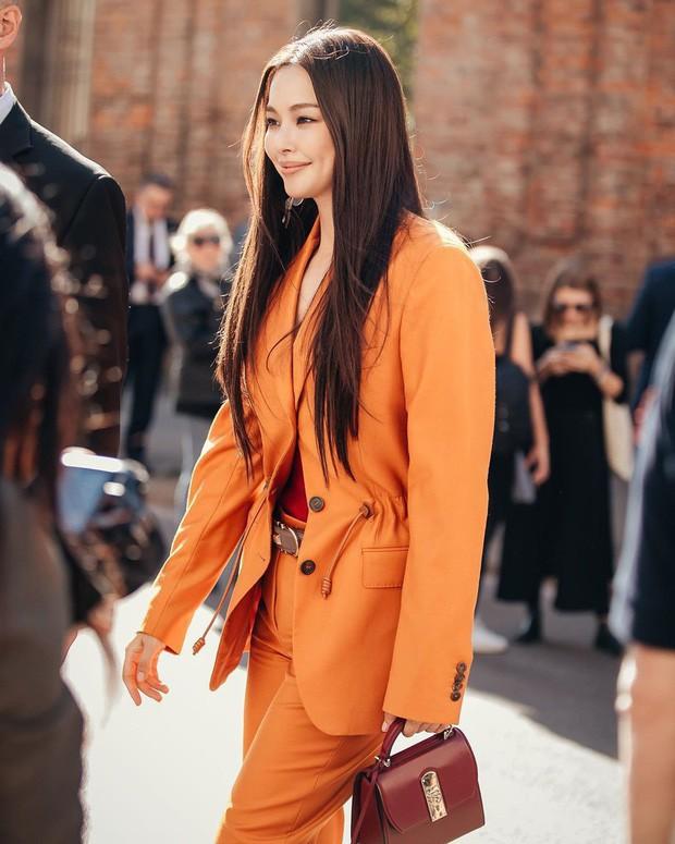 Sao Hàn mặc blazer: 5 công thức thường xuyên được sử dụng để diện thật trẻ trung chiếc áo đứng đắn này - Ảnh 10