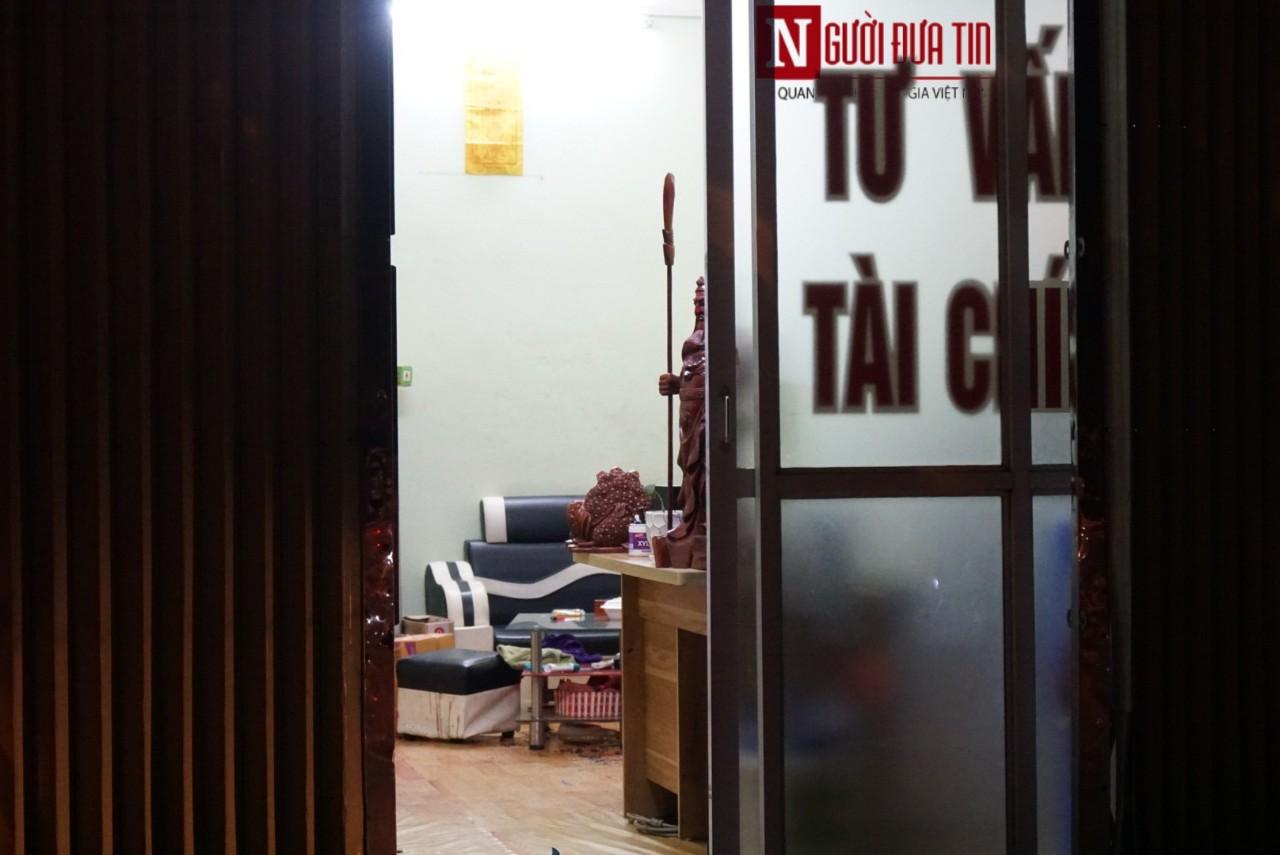 Hà Nội: Chém nhau kinh hoàng tại tiệm cầm đồ, một nạn nhân tử vong tại chỗ - Ảnh 1