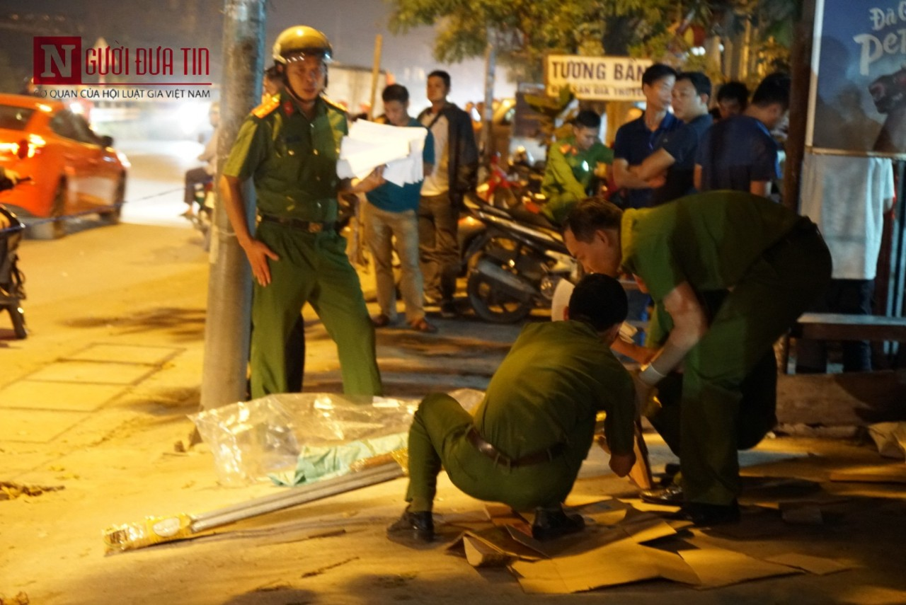 Hà Nội: Chém nhau kinh hoàng tại tiệm cầm đồ, một nạn nhân tử vong tại chỗ - Ảnh 3