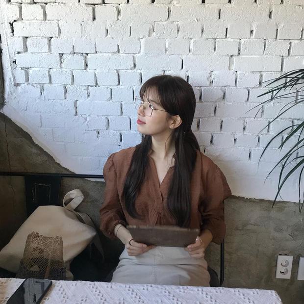 """Học Suzy lên đồ chuẩn """"girl điệu đà"""": Dạo phố xinh ngời ngời, đến công sở toả sáng hết phần đồng nghiệp - Ảnh 11"""